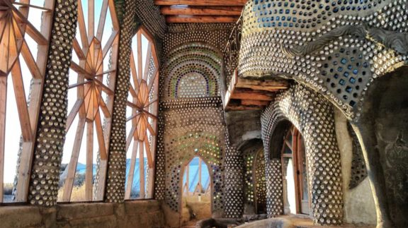 Earthships michael reynolds erdh user for Gunstig bauen mit architekt