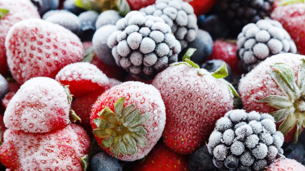 Tiefkühlbeeren gefrorene Erdbeeren Brombeeren