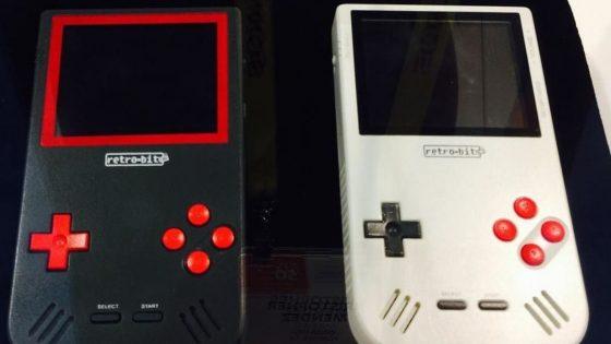 Großaufnahme Super Retroy Boy-Geräte in schwarz und weiß