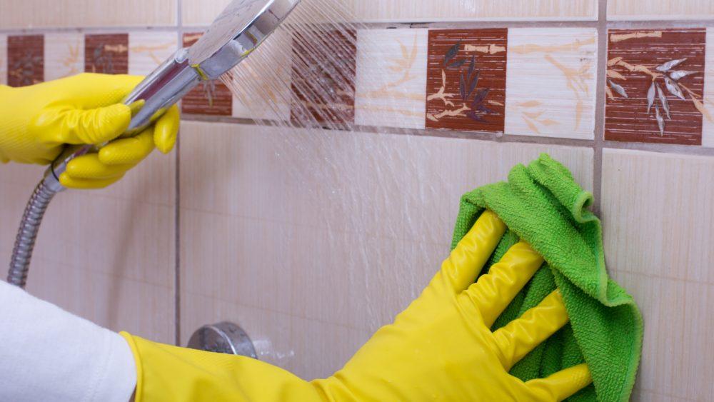 Duschkabine reinigen putzen