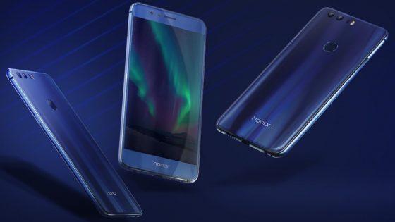 Drei Modelle des Honor 8 Smartphones