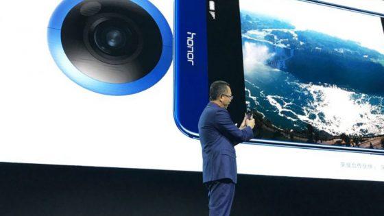 Honor-Chef bei Präsentation der Honor VR Camera