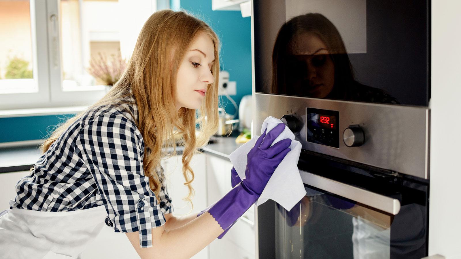 7 Tipps: Edelstahl reinigen & pflegen mit einfachen Mitteln