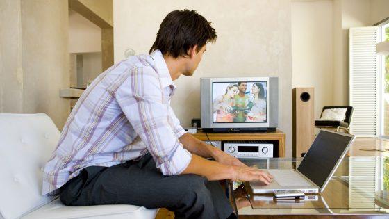 PC an den Fernseher anschließen