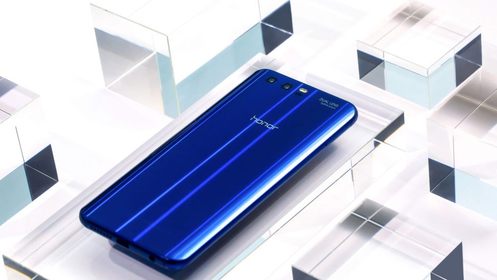 Honor 9 in Sapphire Blue