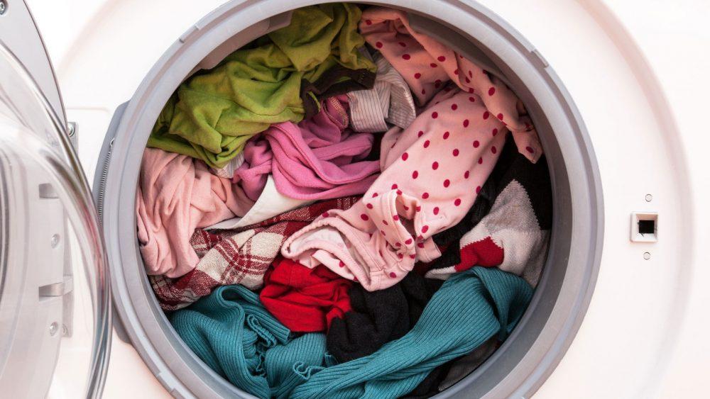 Brandgeruch bei der Waschmaschine infolge einer zu schweren Waschladung