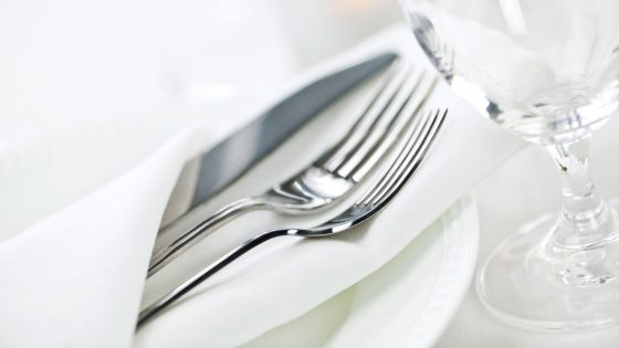 Häufig Besteck reinigen - So polieren Sie angelaufenes Silber   UPDATED NU09