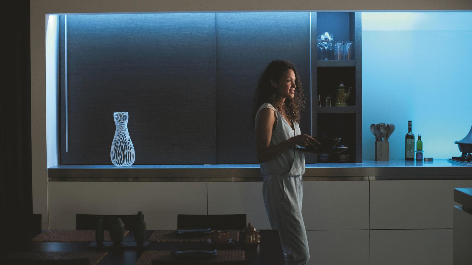 Hue Lightstrips Plus können dezente Farbakzente setzen