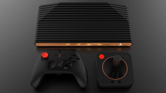 Atari VCS mit Controller und Joystick