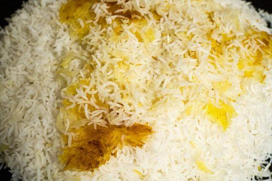 Persischer Reis mit Tahdig im Reiskocher