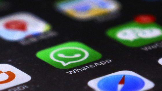 WhatsApp-Logo auf Smartphone