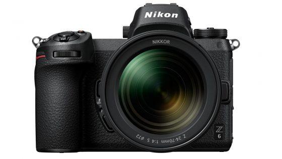 Nikon Z 6 mit Objektiv
