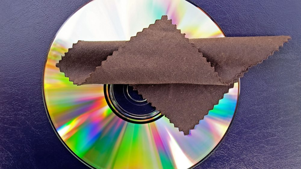 Disc-Reinigungstuch auf Spiele-Disc