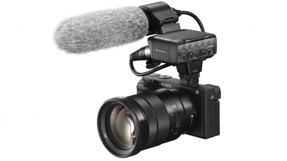 Sony Alpha 6400 mit Mikrofon