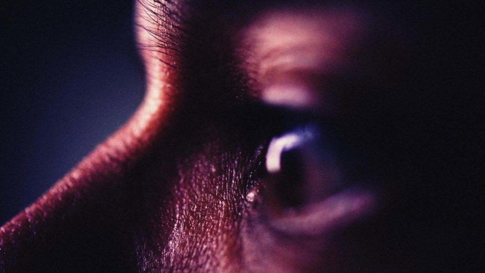 Abstrakte Fotografie Nahaufnahme von Auge als Porträt