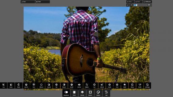 Benutzeroberfläche von Pixlr Express mit Foto von Mann mit Gitarre