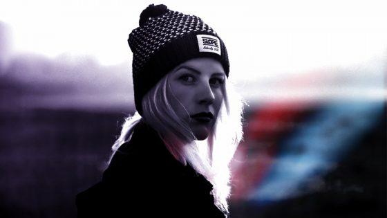 Bild von Frau mit Mütze in Pixlr Express bearbeitet
