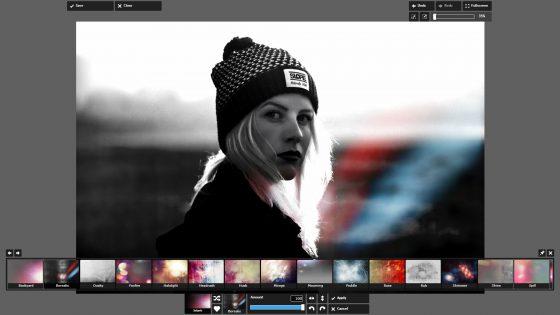 Overlay von Pixlr Express über schwarz-weißem Bild von junger Frau