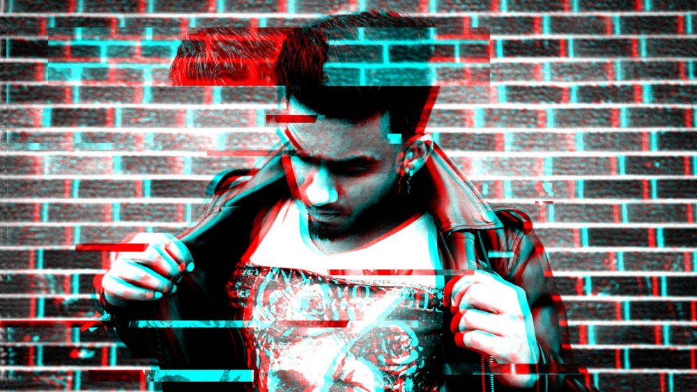 Junger Mann wird durch Glitch-Effekt mit Körnung in Photoshop verzerrt