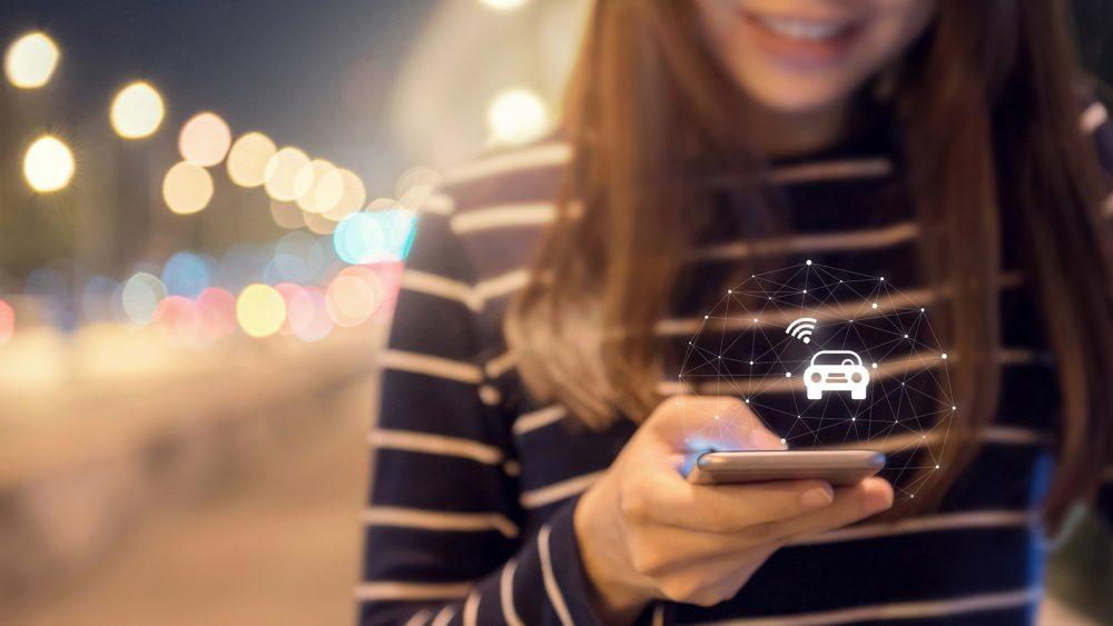 Taxi rufen mit Taxi-App auf dem Smartphone