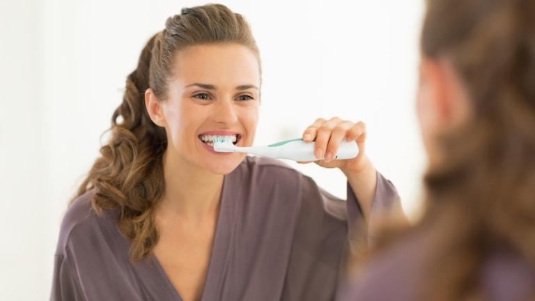 Wie du deine elektrische Zahnbürste richtig reinigst