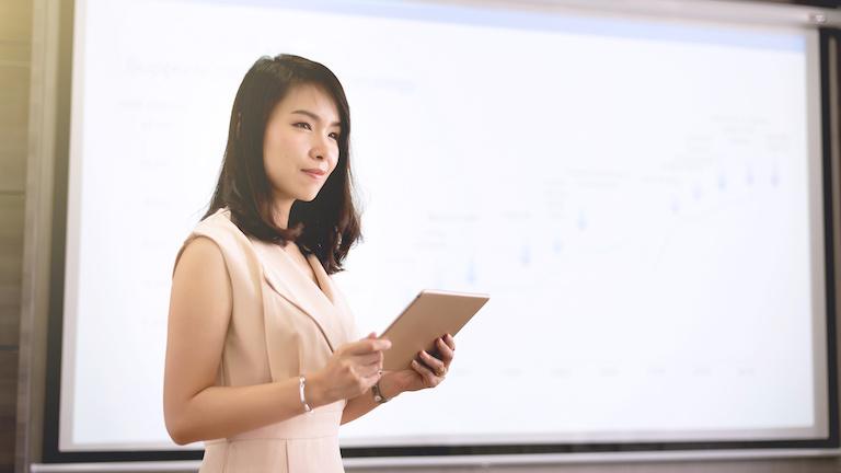 iPad für Präsentationen mit Beamer verbinden