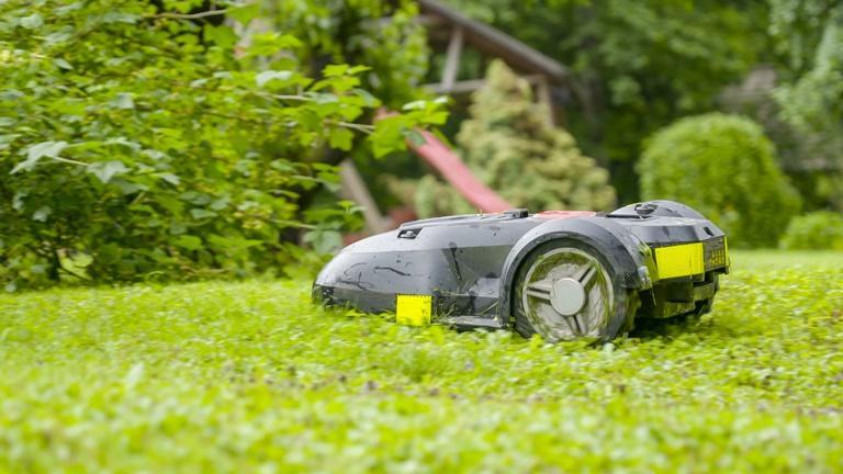 Mähroboter installieren: So bleibt alles im grünen Bereich | UPDATED