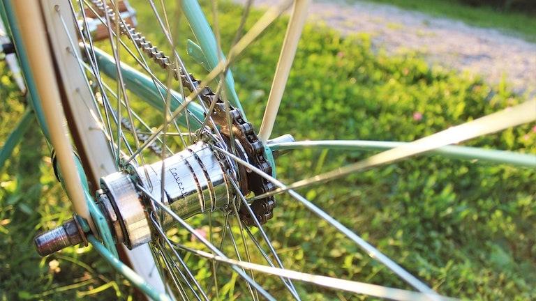 E‑Bike reinigen: So bringst du dein Elektrofahrrad zum Glänzen