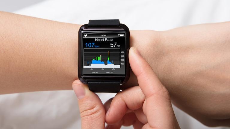 Smartwatch ohne Handy verwenden? Diese Möglichkeiten hast du