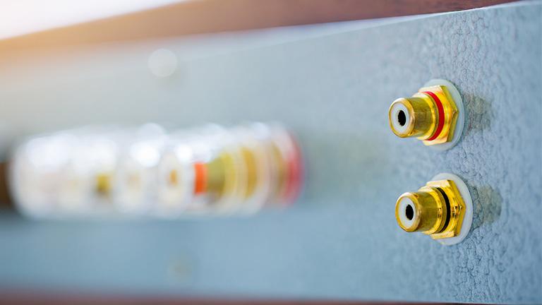 Plattenspieler anschließen: Mit und ohne Phono-Eingang am Verstärker