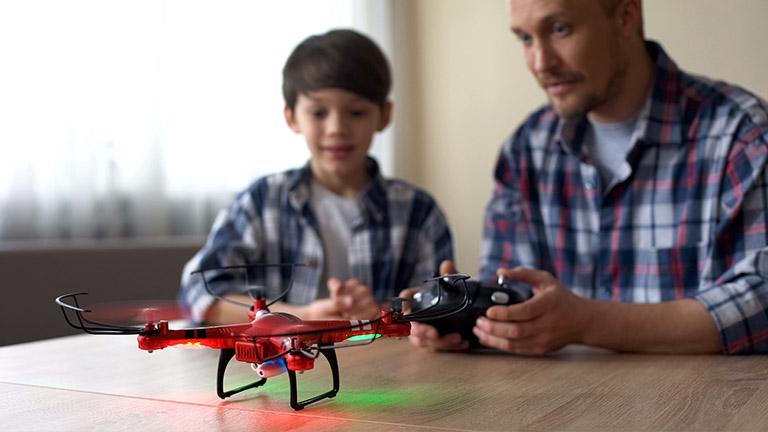 Drohnen für Kinder sollten zunächst indoor betrieben werden