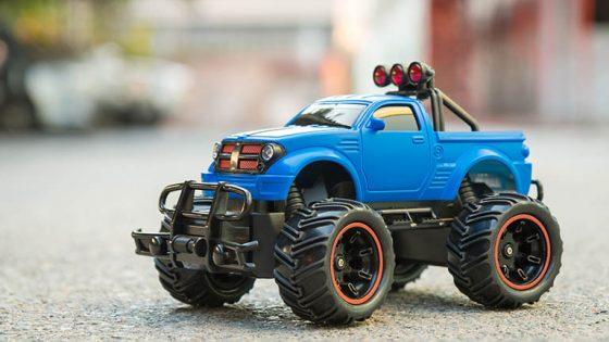 Ferngesteuertes Auto für Kinder