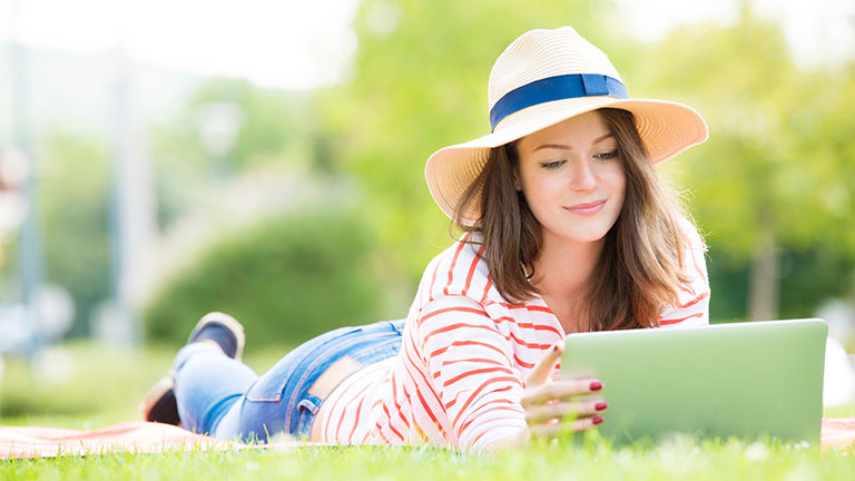 WLAN im Garten: So nutzt du das Internet im Grünen