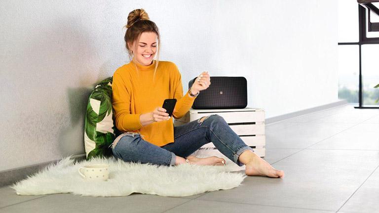 Alexa mit Bluetooth-Lautsprecher verbinden: Hama WiFi-Streaming 2100 AMBT