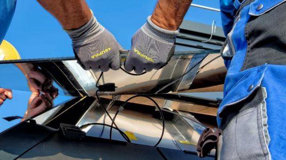 Mini-Solaranlage für den Balkon: Das solltest du über Stecker-Solar wissen