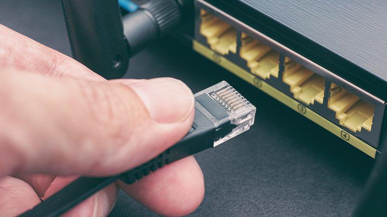 Fritzbox blinkt: Kabel wird überprüft