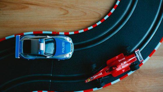 Carrera-Streckenplaner: Neue Bahn für deine Autos