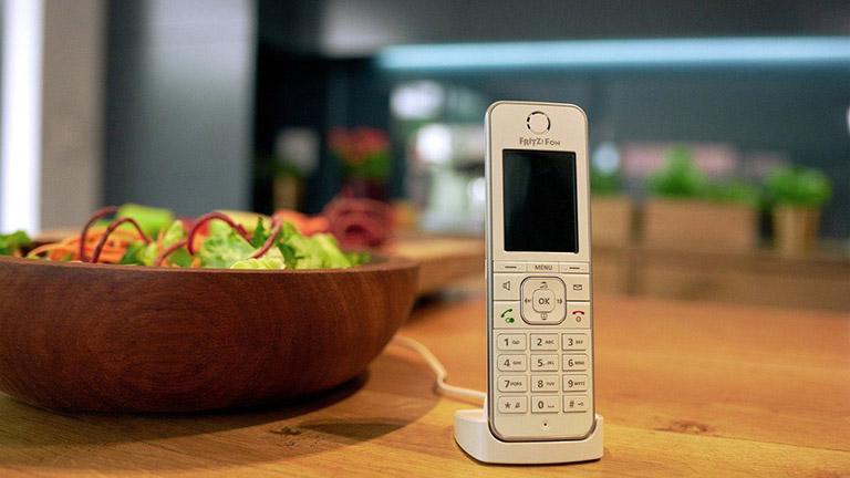 WhatsApp über Festnetztelefon freischalten