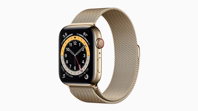 Die Apple Watch Series 6 mit goldenem Edelstahlgehäuse und Milanaise-Armband.