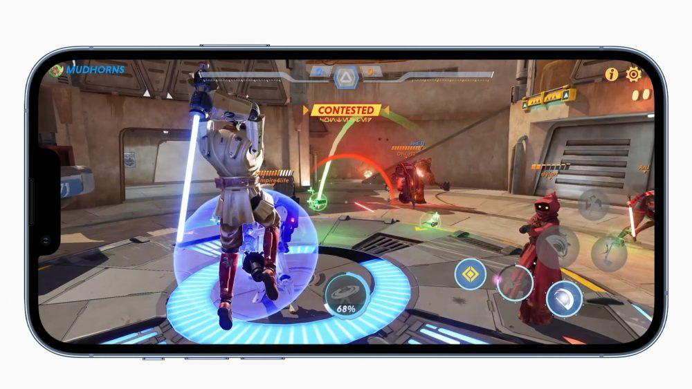 Auf einem iPhone 13 Pro läuft ein Star-Wars-Spiel.